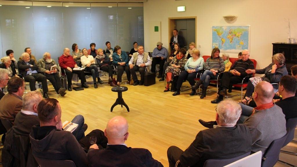 Broschüren-Premiere mit den Geschichten aus und von der Lausitz im IBA-Studierhaus (04.04.2016) - 5