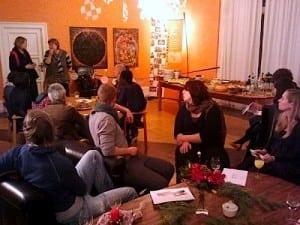 Studierende der TU zum Social Dinner