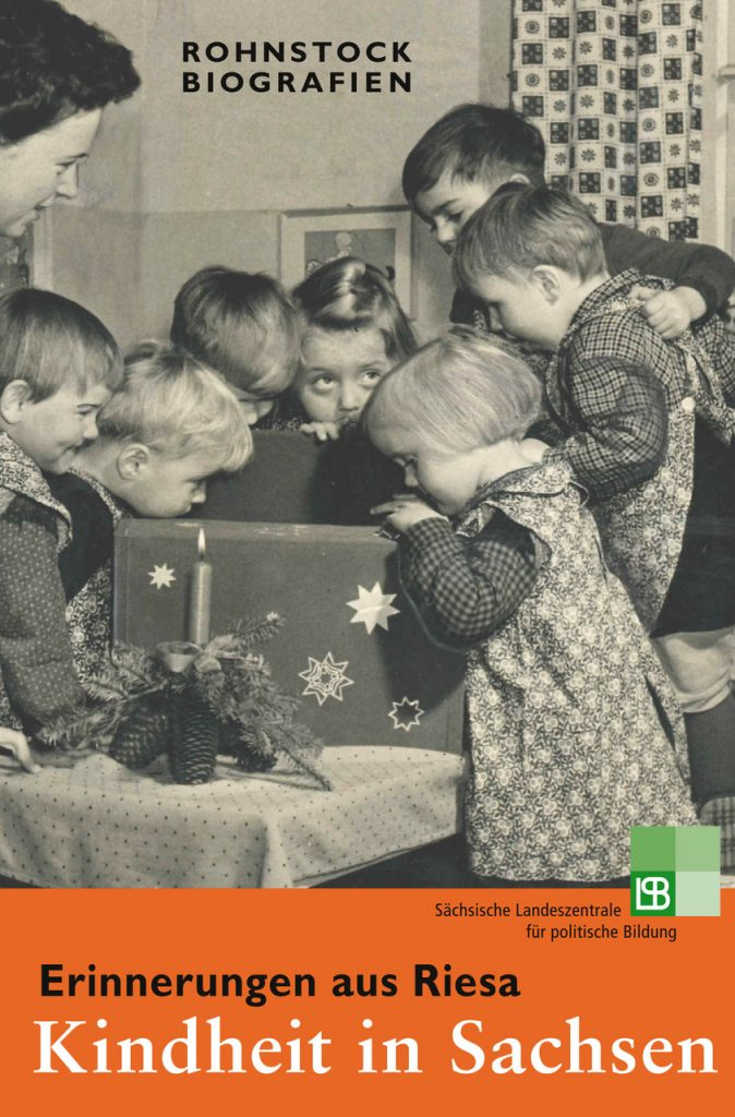 Kinder aus Riesa feiern Weihnachten im Kindergarten.